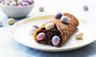 Easter cosy-nest pancakes